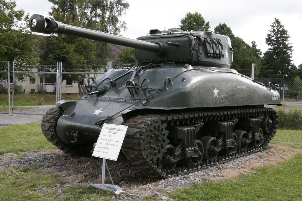 M4A1_on_Panzermuseum_Munster