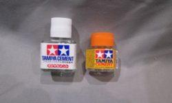 タミヤのプラモデル用接着剤の種類と違い、使い方について